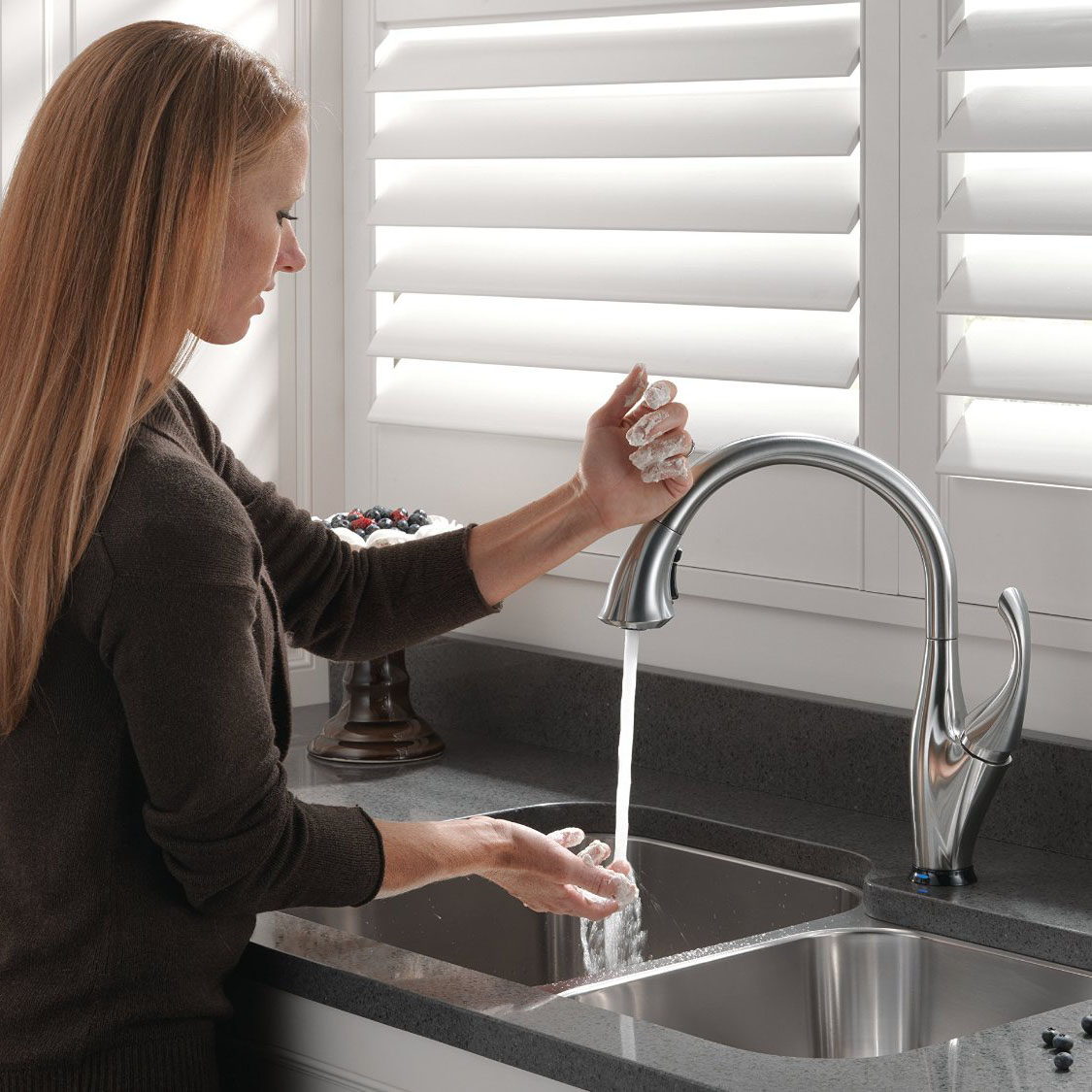 Delta Addison Single Handle Touch Kitchen Faucet Arctic Stainless ...