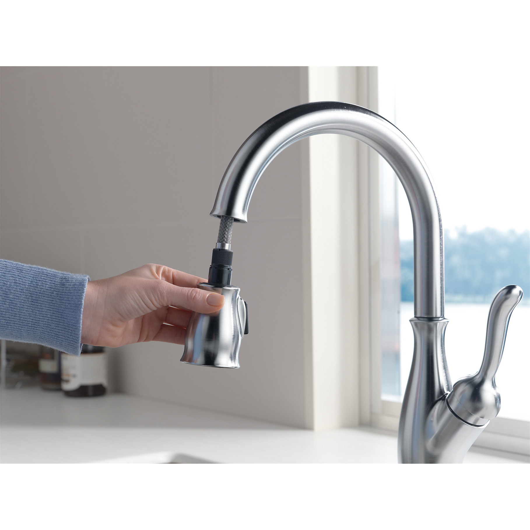 Delta Single Handle Pulldown Kitchen Sink Faucet Arctic