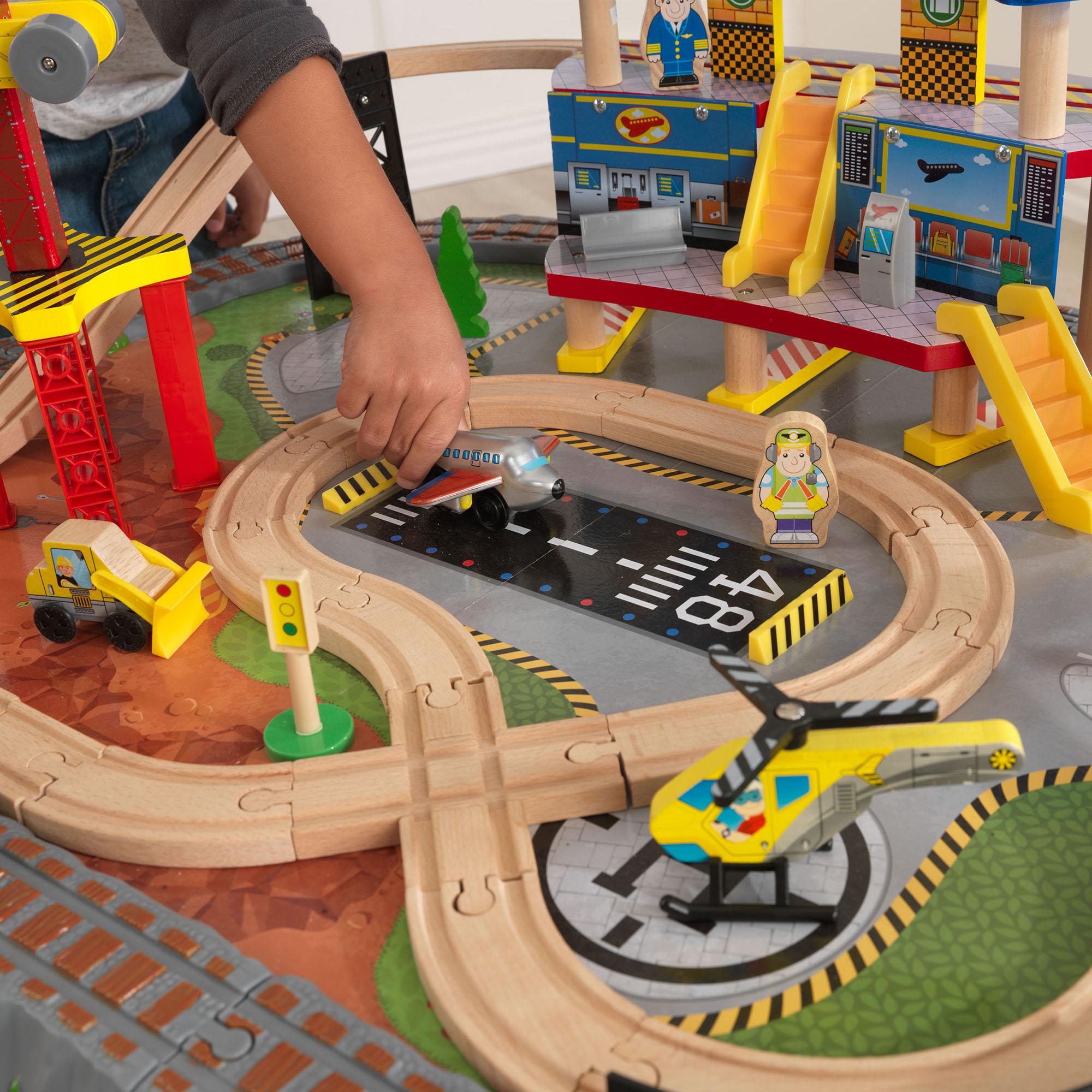Kidkraft Ride Around Town Train Set With Table. Set Constructie Cu ...