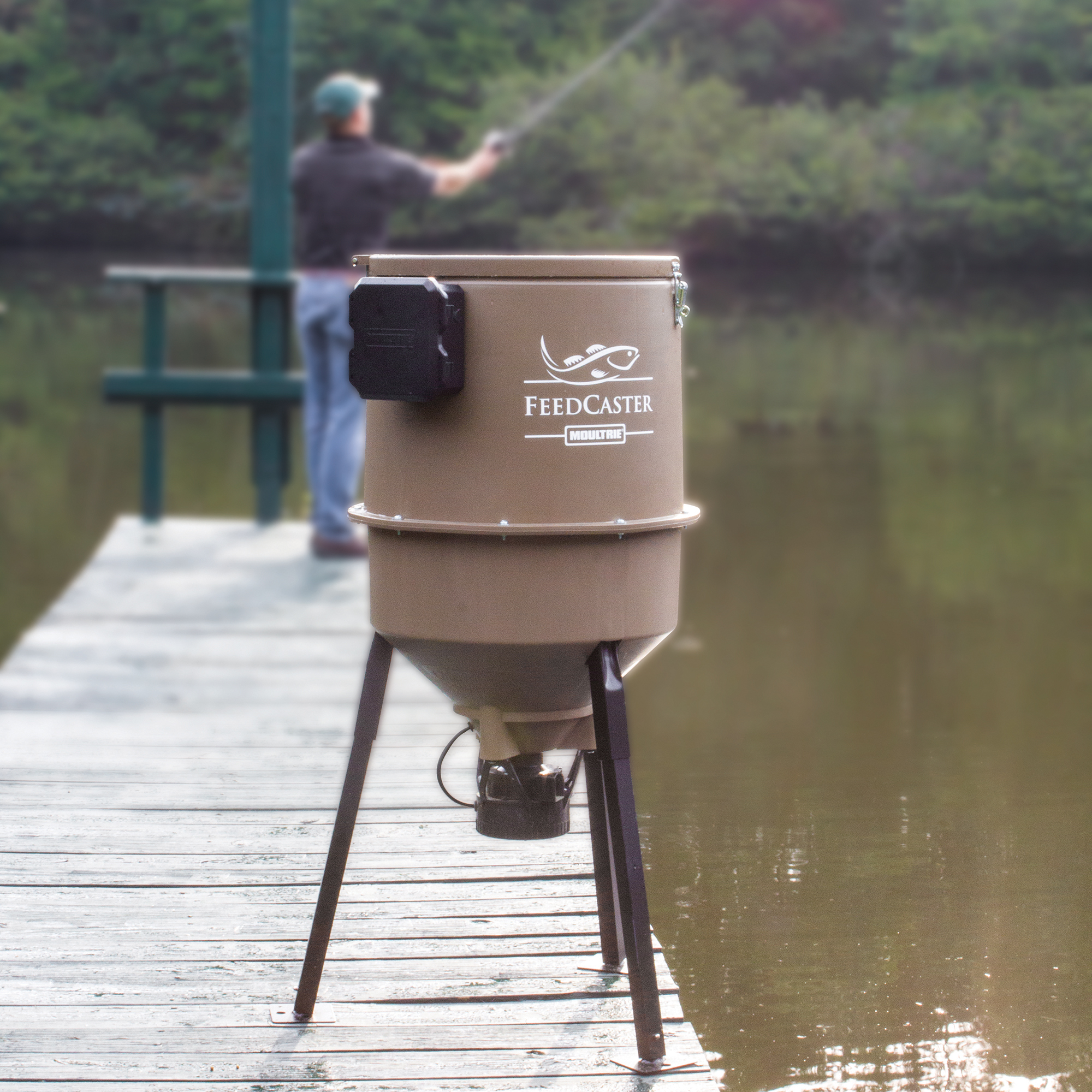 2 moultrie 30 gallon feedcaster pro directional tripod for Moultrie fish feeder