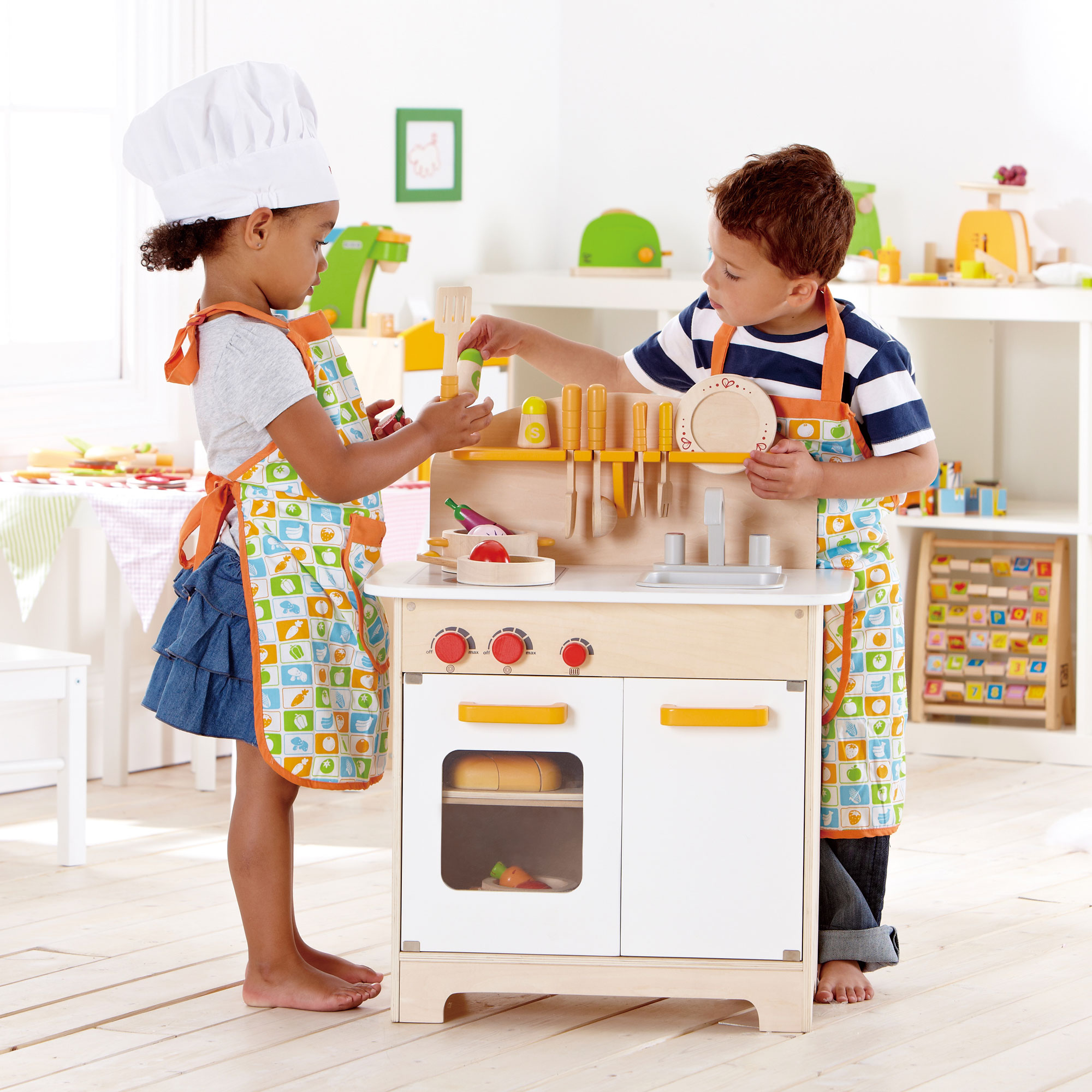 Hape Gourmet Kitchen Toddler Kids Wooden Play Pretend Cooking White