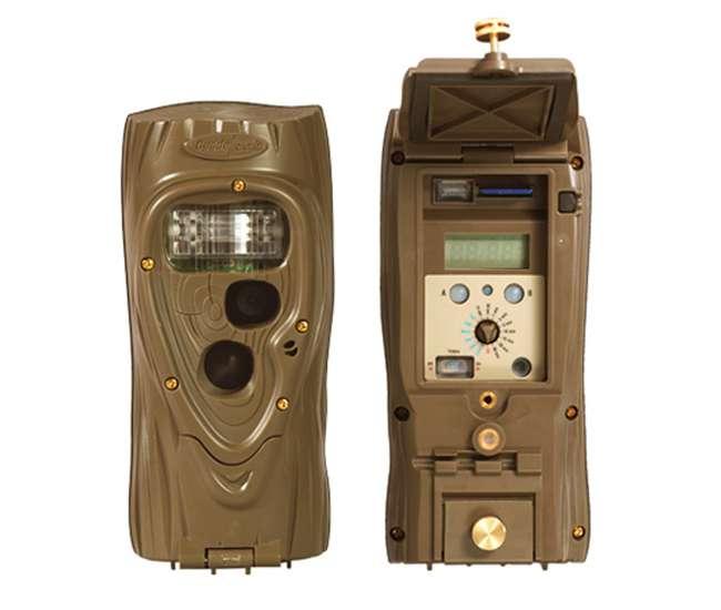 ATTACK-1149 + CUDDESAFE-ATTACK-3112Cuddeback Attack 1149 5 MP Day & Night Photo Trail Game Camera + CuddeSafe Security Box