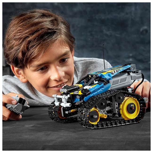 6251547 2-in-1 Remote-Controlled Stunt Racer Power Functions Set 4