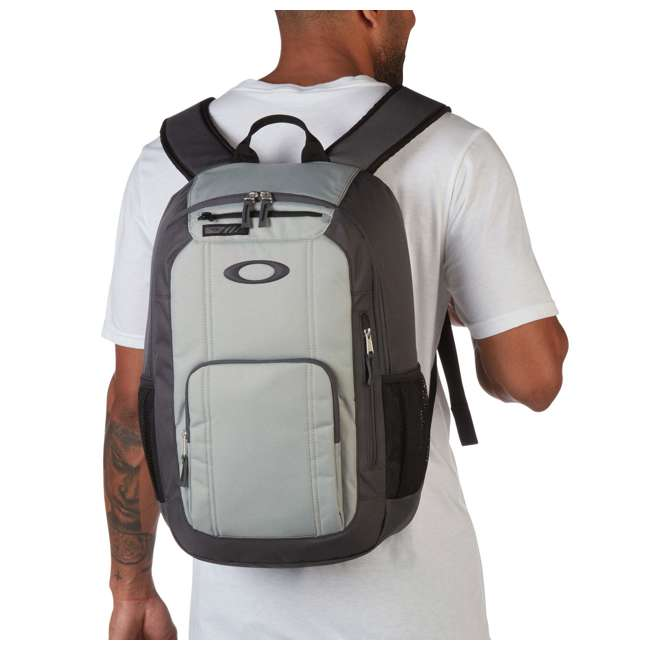 92988-24J Oakley Enduro 25-Liter 2.0 Backpack, Light Gray 1