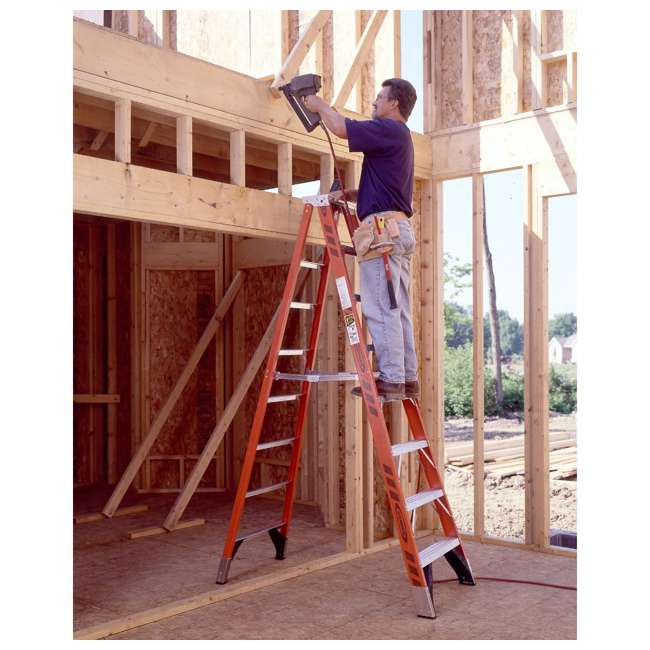 W-7407 Werner 7 Foot Fiberglass Step Ladder with 375 Pound Capacity Type IAA Rating 5