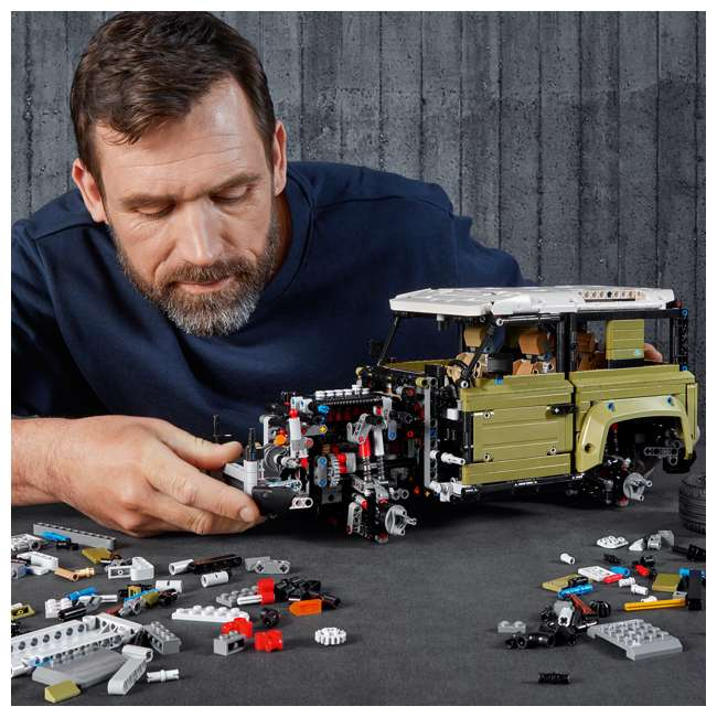 6283904 LEGO Technic 42110 Land Rover Defender 2573 Piece Block Building Kit Olive Green 4