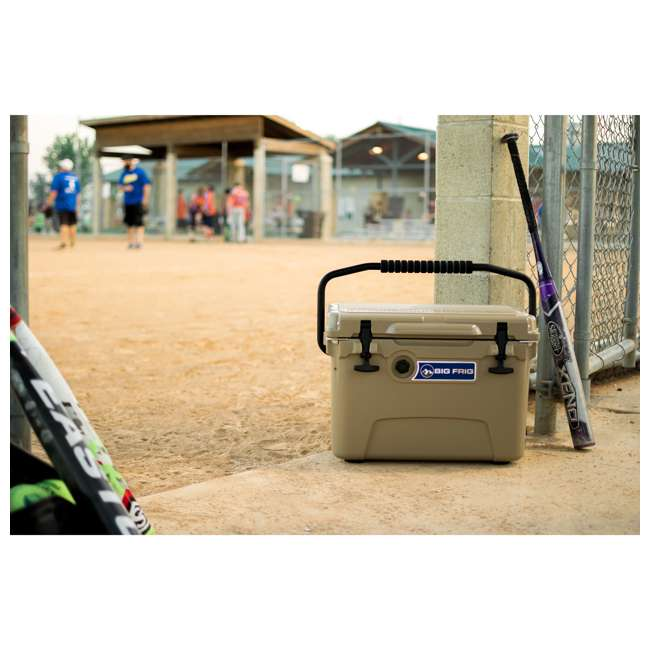 BFDB20-SD Big Frig Denali 20 Quart Insulated Cooler with Cutting Board and Basket, Sand 4