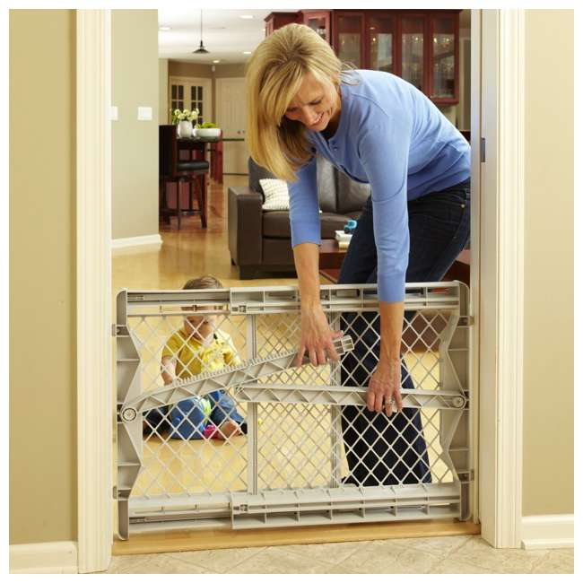 8699 North States Top-Notch Plastic Pressure Mounted Baby / Pet Safety Gate | 8699 2