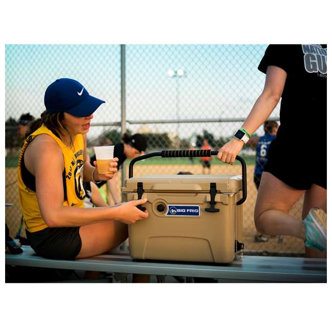 BFDB20-SD Big Frig Denali 20 Quart Insulated Cooler with Cutting Board and Basket, Sand 3