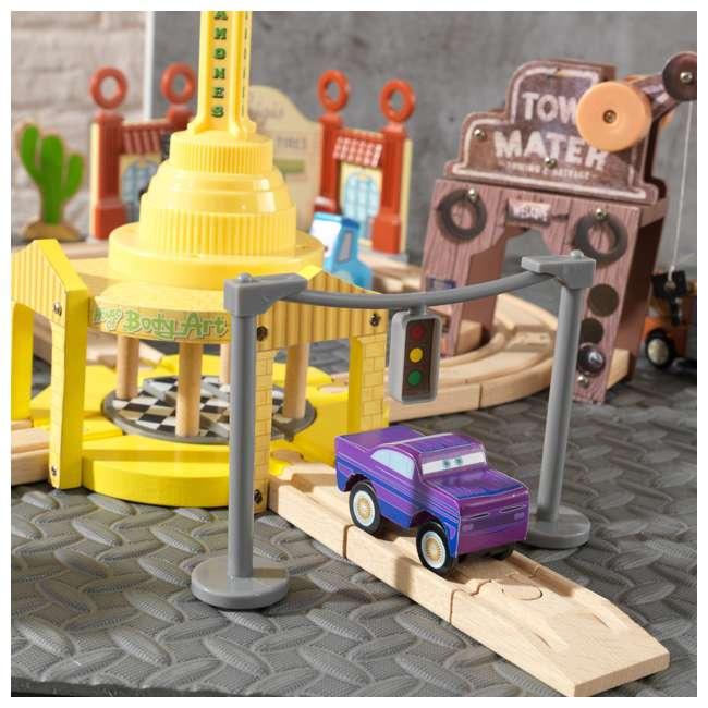 KDK-18013 KidKraft Disney Pixar Cars 3 50-Piece Radiator Springs Track Set 6
