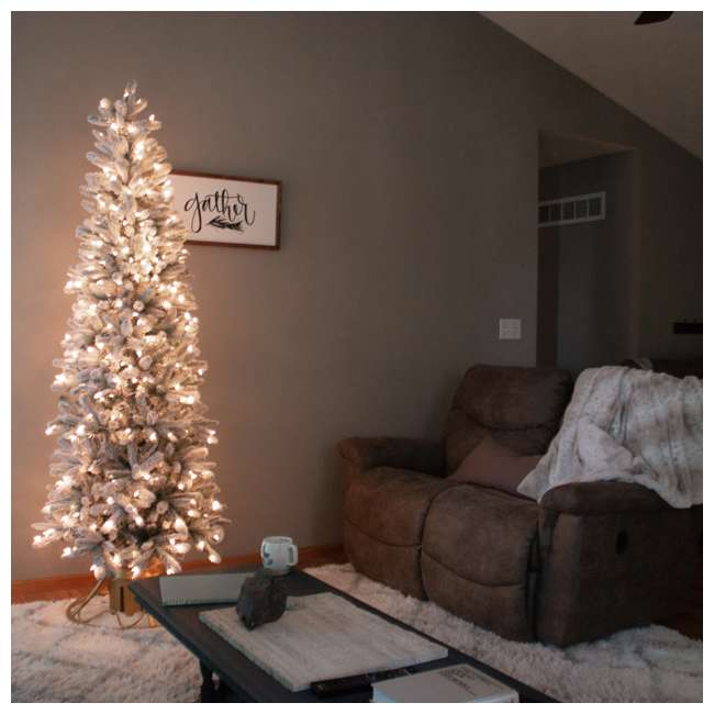 TG70P3A45S04-U-B Home Heritage 7' Frosted Alpine Quick Set Flocked Christmas Lit Tree (Used) 5