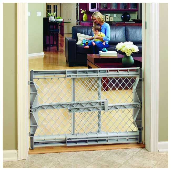 8699 North States Top-Notch Plastic Pressure Mounted Baby / Pet Safety Gate | 8699 1