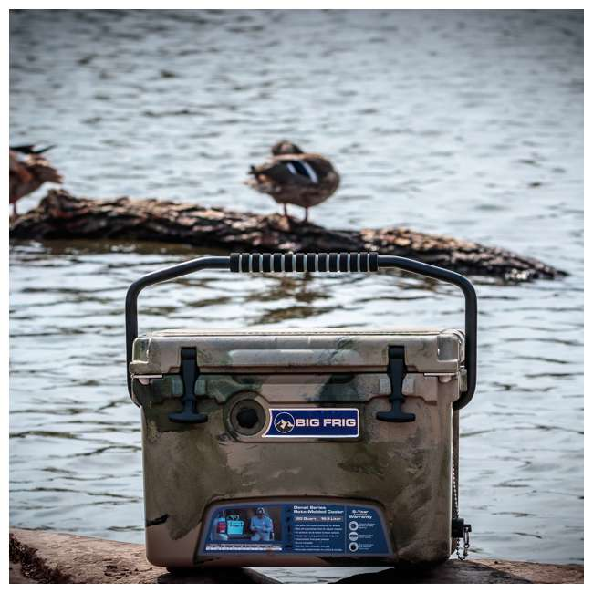 BFDB20-DC Big Frig Denali 20 Quart Camping Cooler w/Cutting Board and Basket, Desert Camo 2