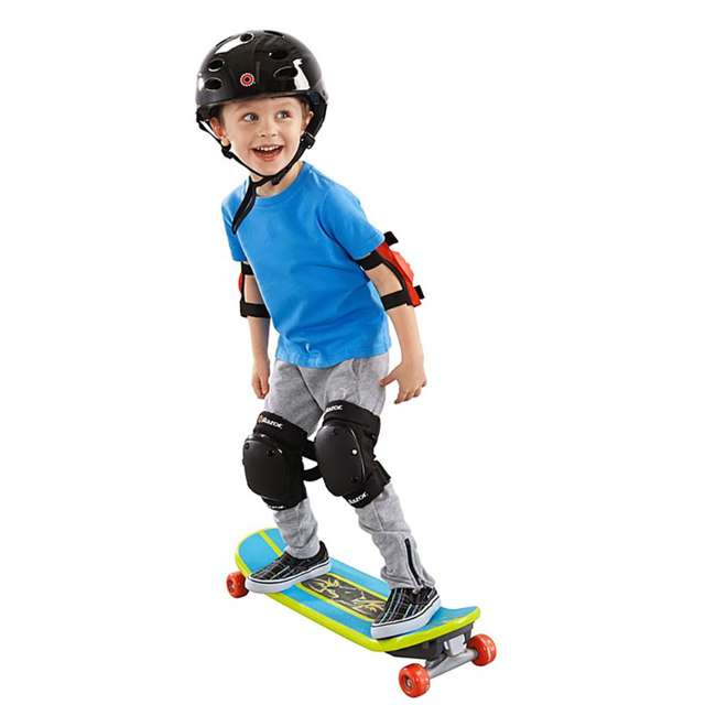 DYH05 Fisher-Price Kids Convertible Grow to Pro 3-in-1 Skateboard 1