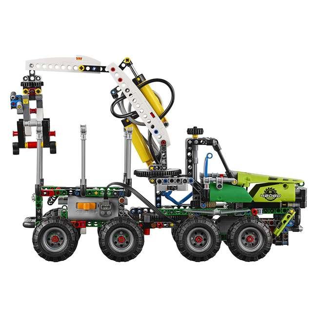 6213728 Technic™ Forest Machine 1