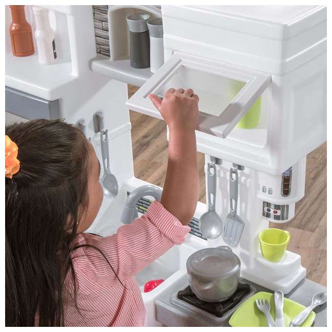 482600 Step2 Downtown Delights Pretend Play Toy Kitchen Set 3