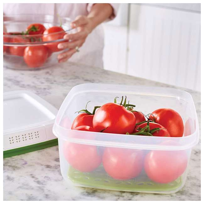 1996984 Rubbermaid FreshWorks Large Square Produce Saver Storage Container, 11.1 Cups 2