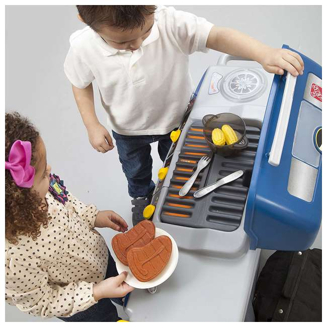 489899 Step2 Pretend Play Battery Powered Sizzle & Smoke Barbecue Grill w/ Cooking Set 3