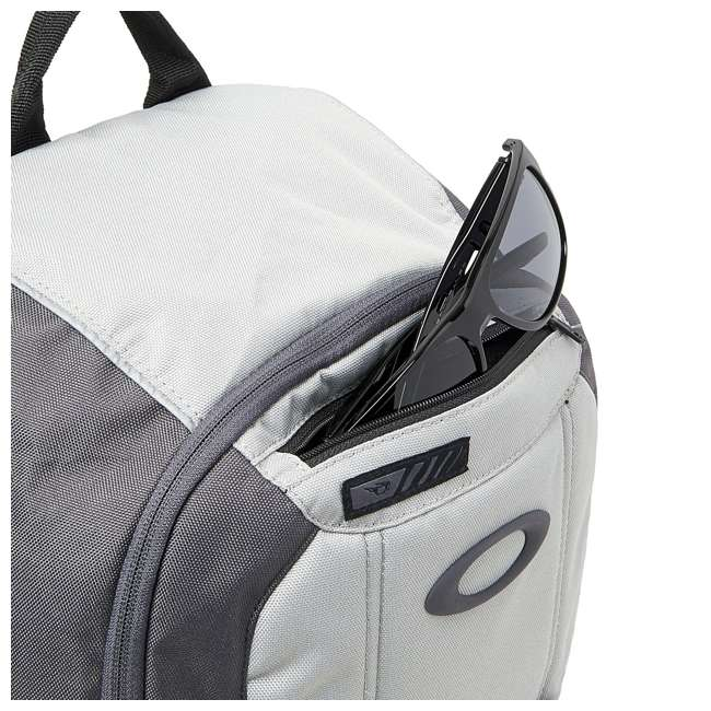 92988-24J Oakley Enduro 25-Liter 2.0 Backpack, Light Gray 4
