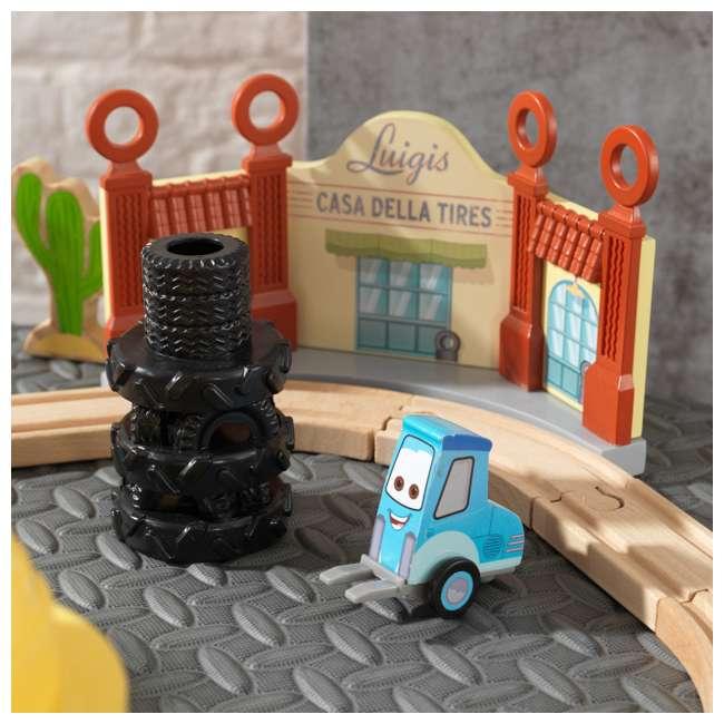 KDK-18013 KidKraft Disney Pixar Cars 3 50-Piece Radiator Springs Track Set 7